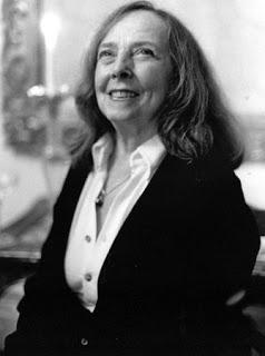 Roamana Kryzanowska sorrindo