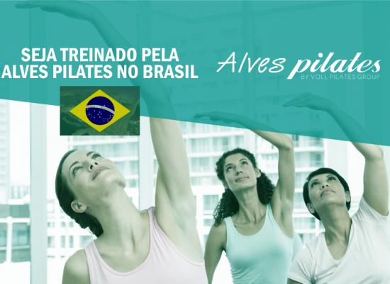 Mulheres realizando formação em Pilates
